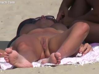 Beach Voyeur Candid Amateur Milfs Naked 3