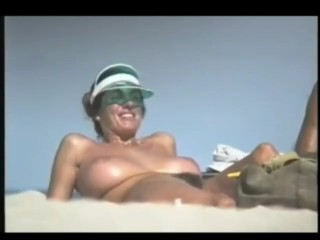REALBEACHFLY.COM   REAL VOYEUR NUDE BEACH NUDIST